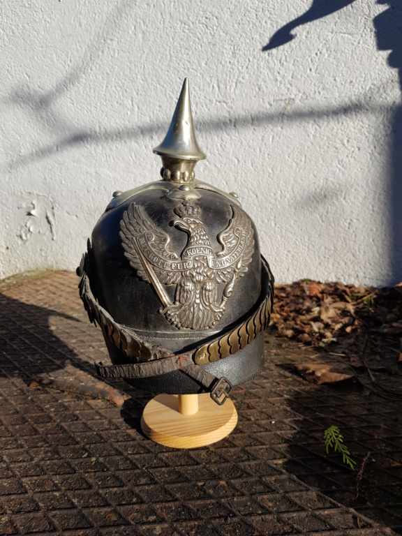 Noël : Casque à pointe de dragon prussien modèle 1860 20191212