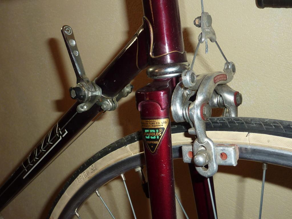 """STELLA 1976, modèle """"cyclotouriste"""" - Page 2 P1060911"""