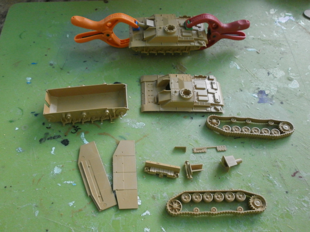 [Italeri] Sturmgeschutz SdKfz 142-1 et 142-2 - Terminés 589