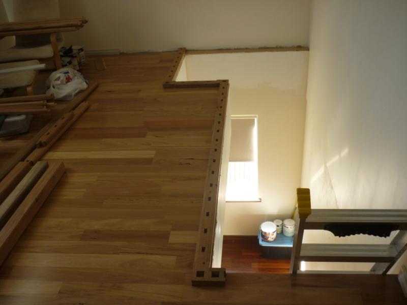 Escalier pour monter en bas P1080121