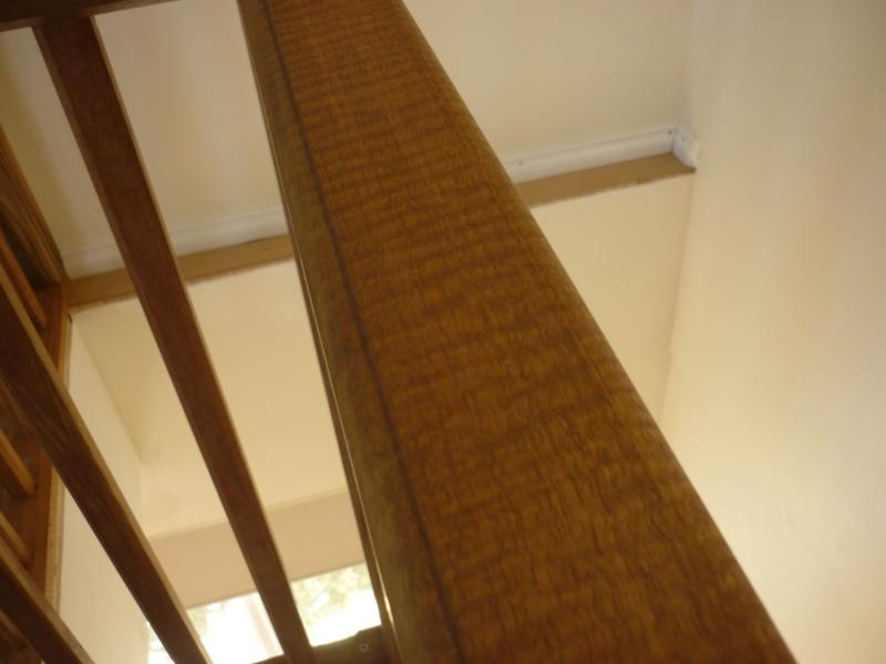 Escalier pour monter en bas P1080212