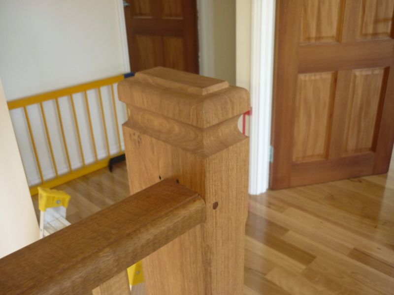 Escalier pour monter en bas P1080214