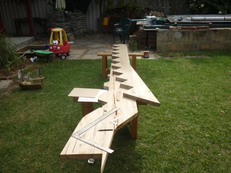 Escalier pour monter en bas P1080236
