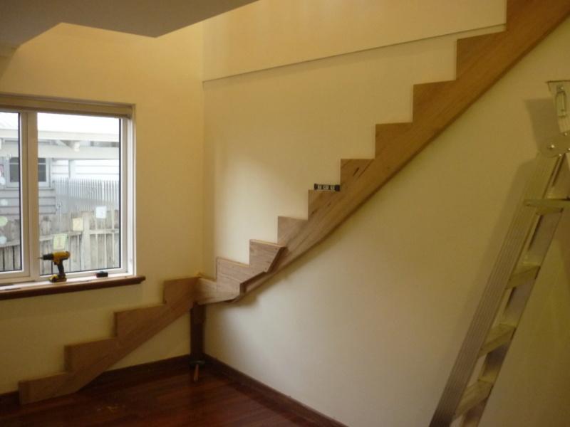Escalier pour monter en bas P1080240