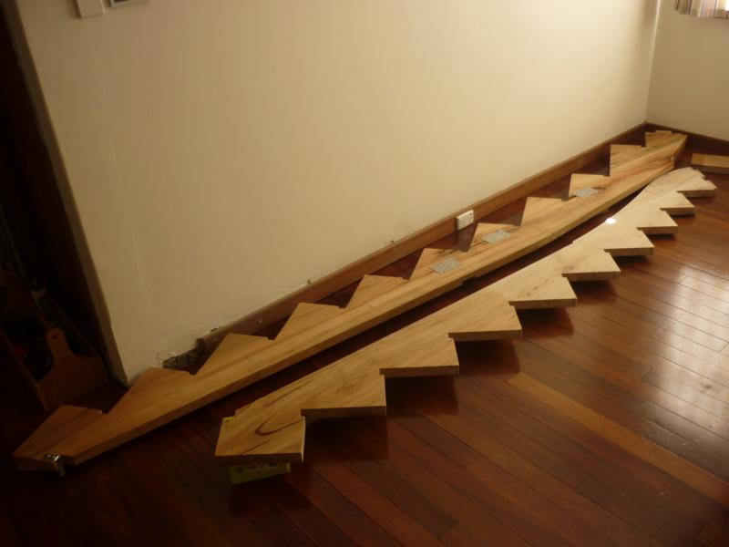 Escalier pour monter en bas - Page 2 P1080310