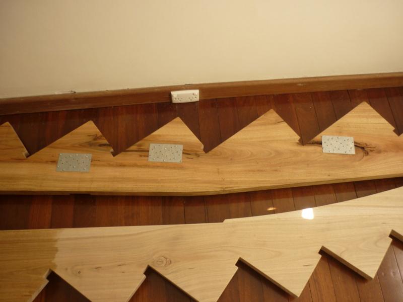 Escalier pour monter en bas - Page 2 P1080312
