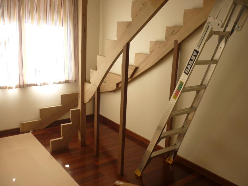 Escalier pour monter en bas - Page 2 P1080314