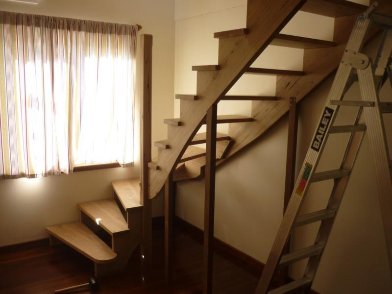 Escalier pour monter en bas - Page 2 P1080328