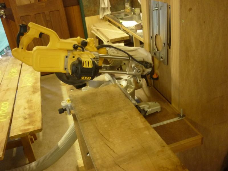 Escalier pour monter en bas - Page 3 P1080417