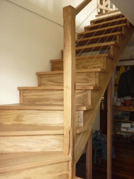 Escalier pour monter en bas - Page 3 P1080523