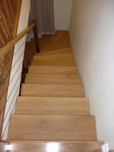 Escalier pour monter en bas - Page 3 P1080524