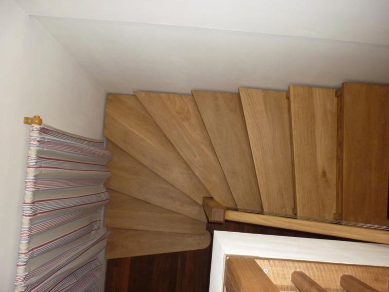 Escalier pour monter en bas - Page 3 P1080525
