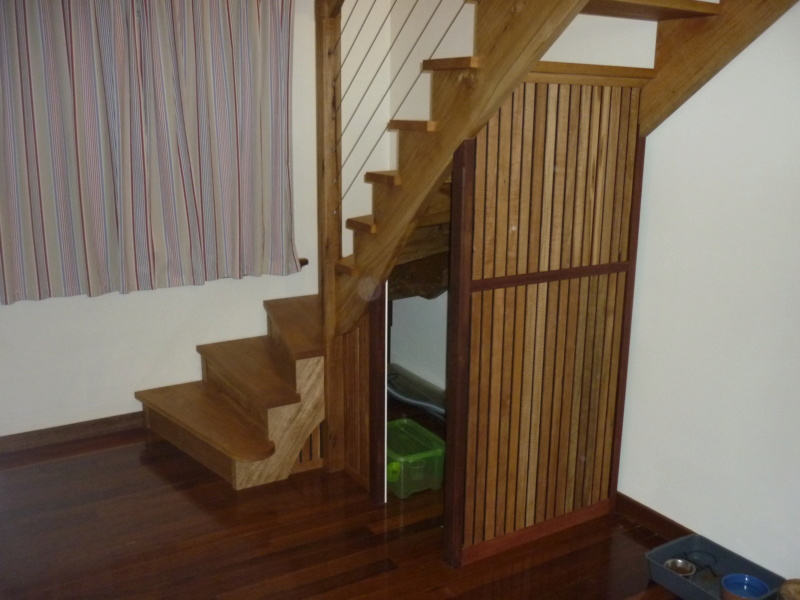 Escalier pour monter en bas - Page 3 P1080623