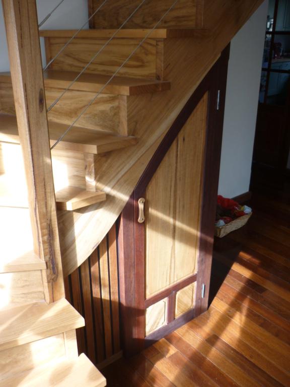 Escalier pour monter en bas - Page 4 P1090110