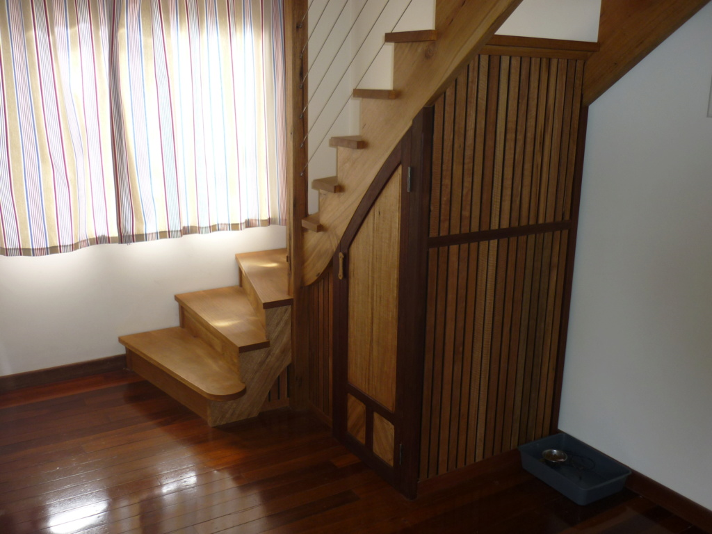 Escalier pour monter en bas - Page 4 P1090210