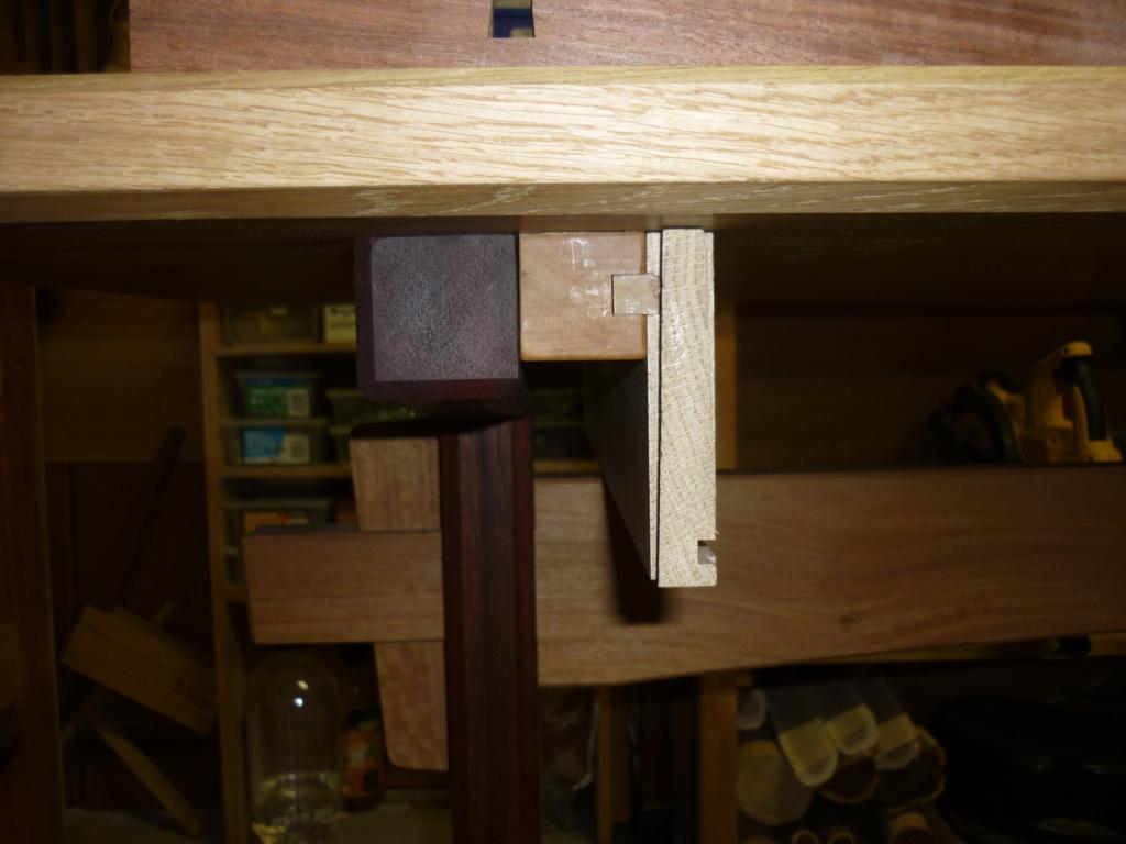 Un bureau de bric et de broc. - Page 2 P1090533
