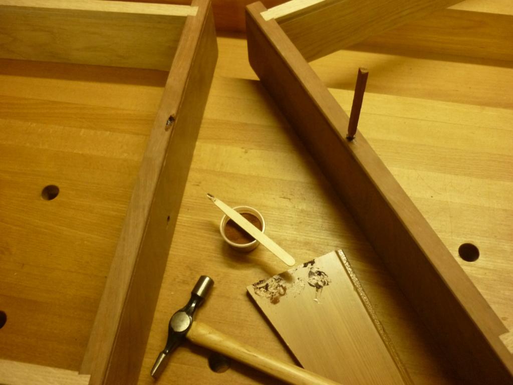 Un bureau de bric et de broc. - Page 2 P1090544