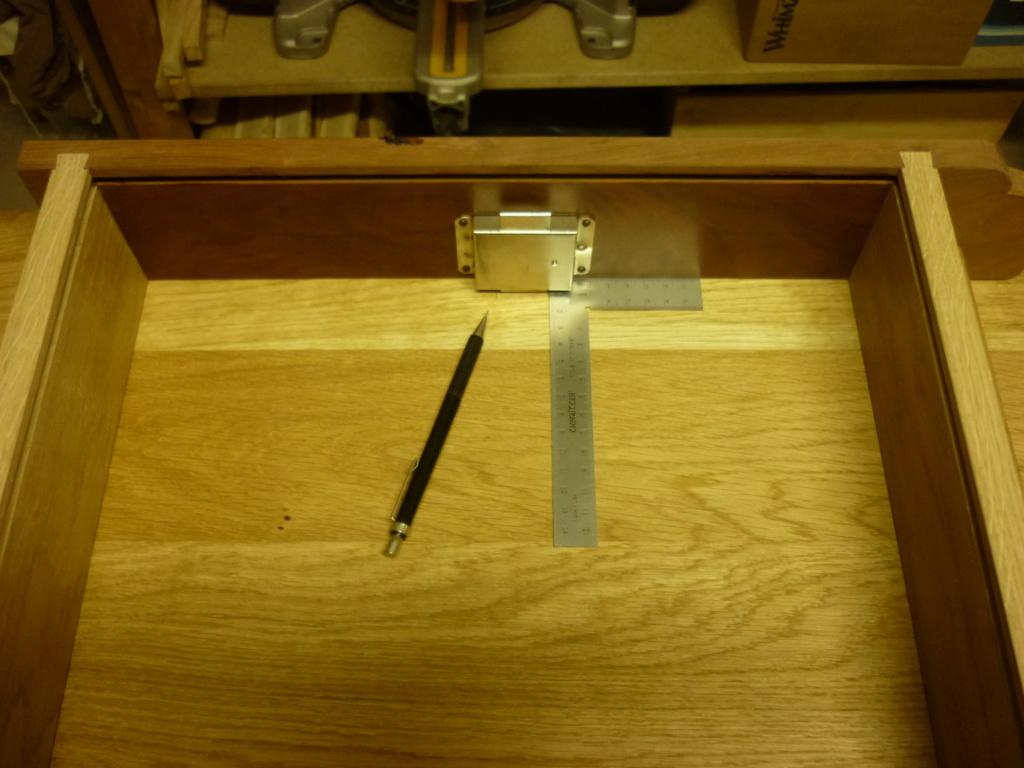 Un bureau de bric et de broc. - Page 2 P1090545