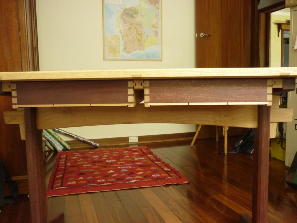 Un bureau de bric et de broc. - Page 2 P1090553