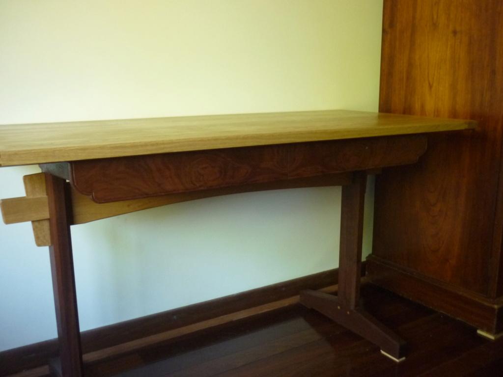 Un bureau de bric et de broc. - Page 2 P1090556