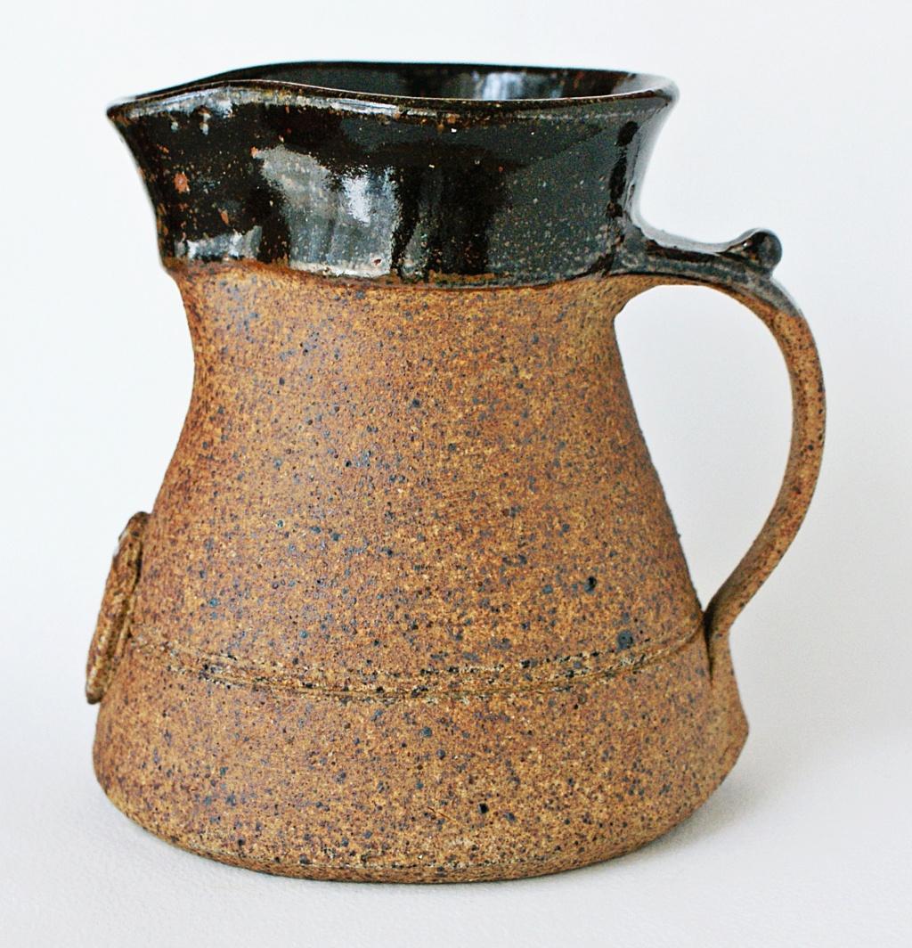 stoneware jug Wsp mark - Washington Studio Pottery - Lindisfarne Dsc02410