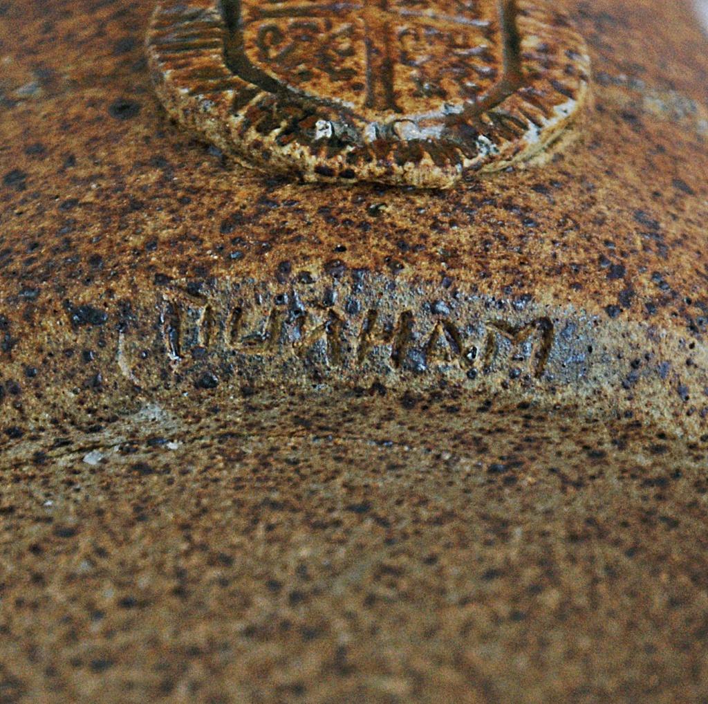 stoneware jug Wsp mark - Washington Studio Pottery - Lindisfarne Dsc02412