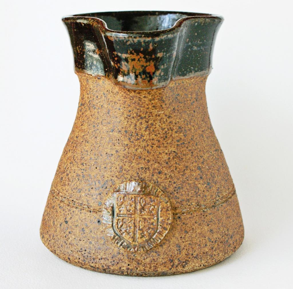 stoneware jug Wsp mark - Washington Studio Pottery - Lindisfarne Dsc02414