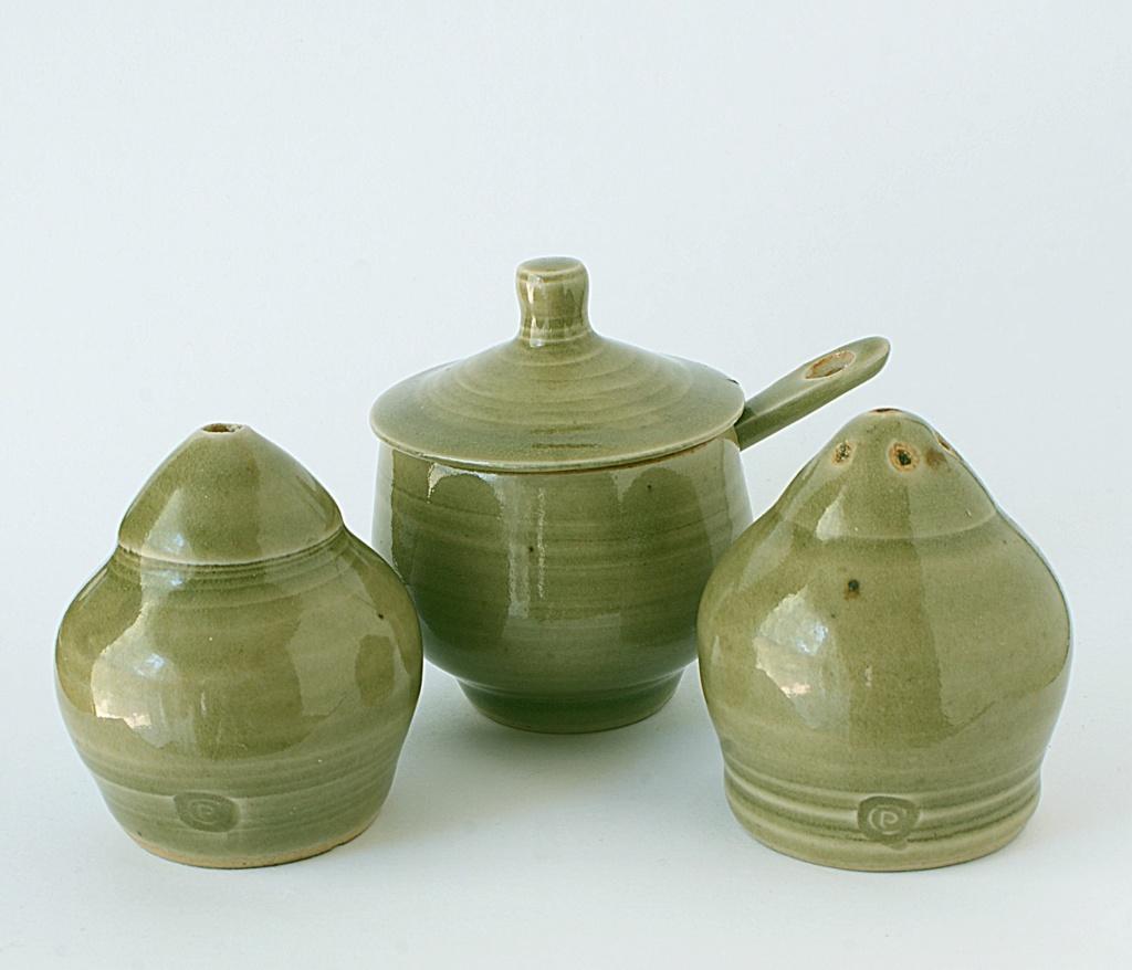 Harry and May Davis, Crowan Pottery Dsc04136