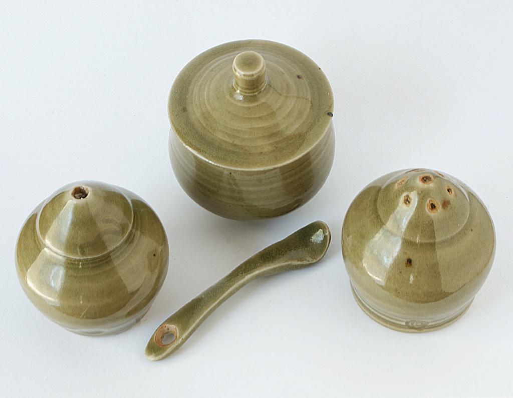 Harry and May Davis, Crowan Pottery Dsc04138
