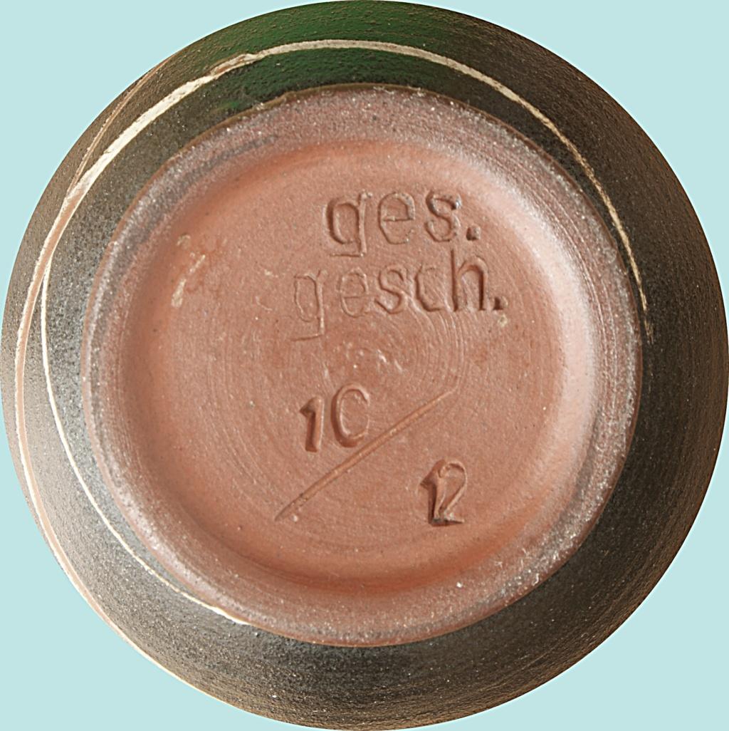 German Pottery Vase: Geseztlich Geschutz.  Dsc04811