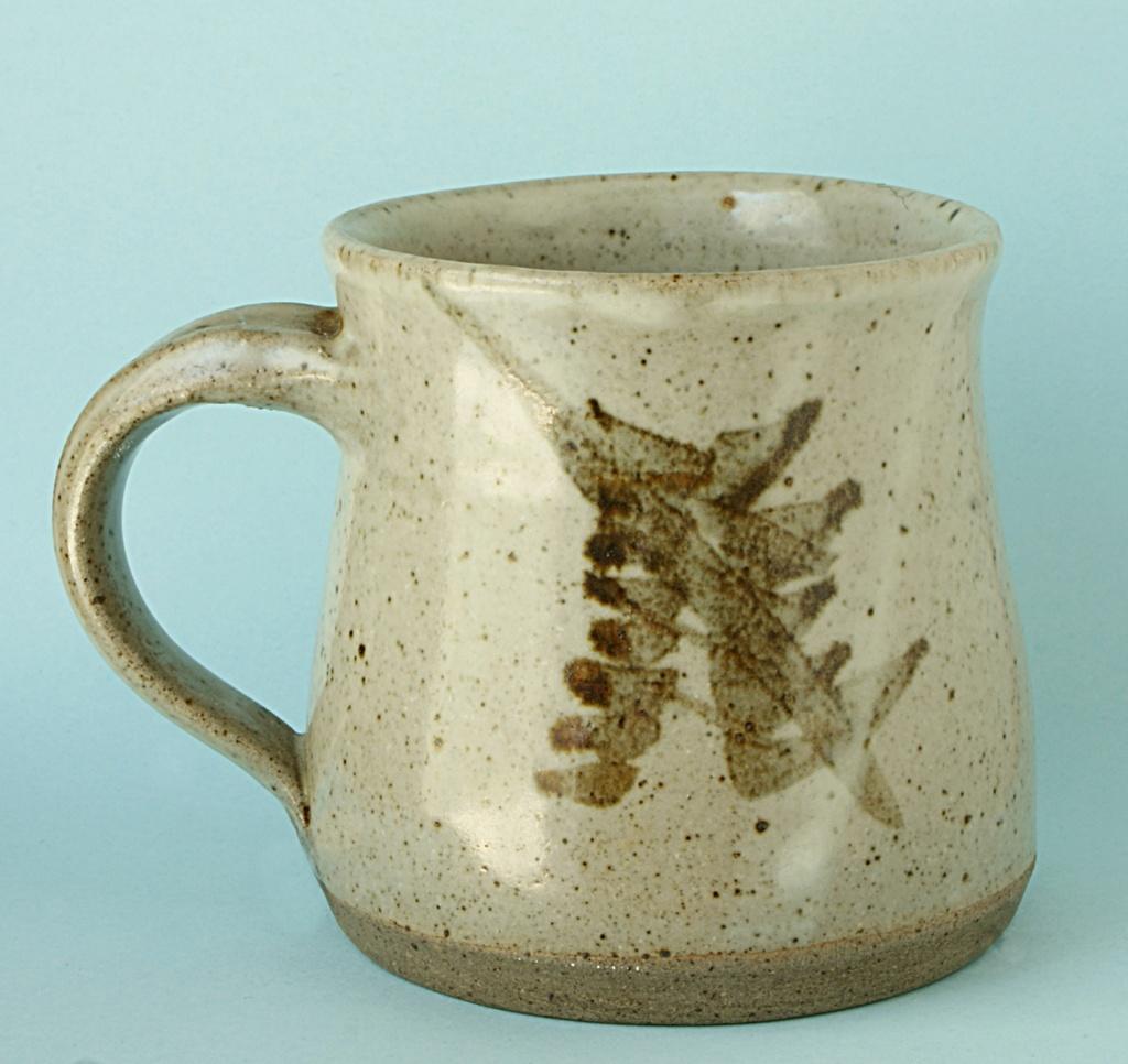 Studio Pottery Mug by Trelowarren Pottery  Dsc04927