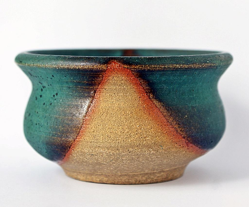 Studio Pottery Bowl Dsc05023