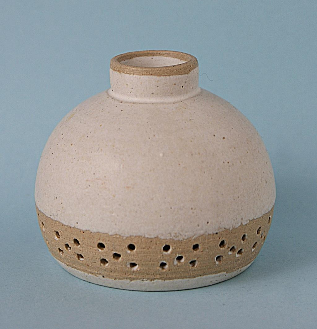 Small Bowl D B Mark Dsc05111