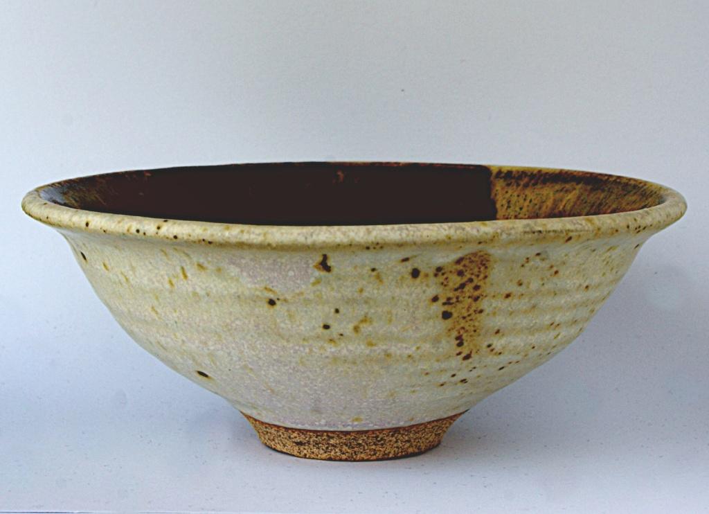 Studio Pottery Bowl Dsc05324