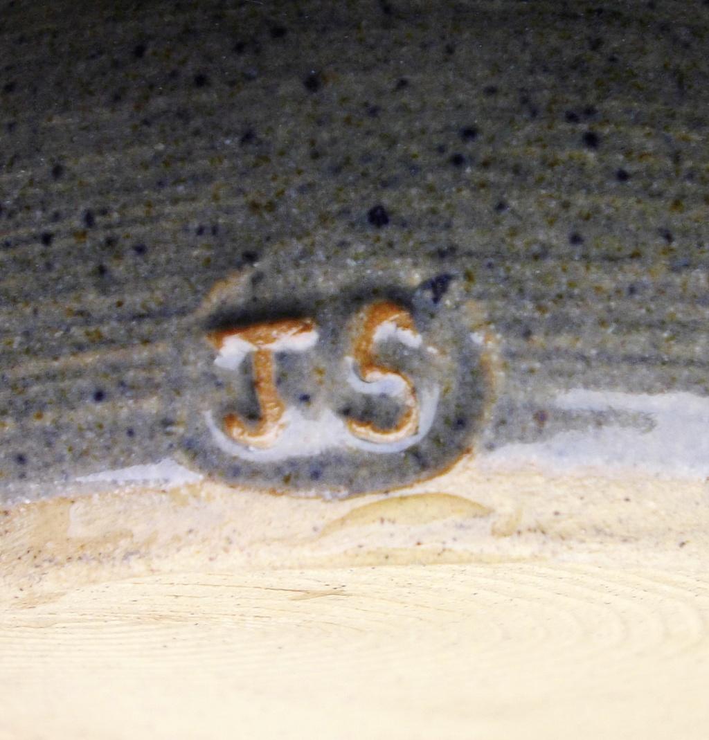 Cricket St Thomas Vase - JS mark Imgp2921