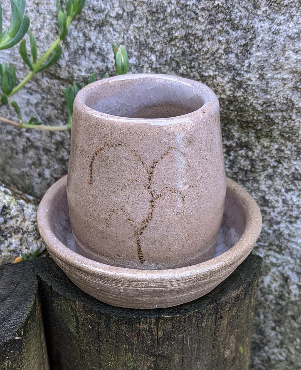 Small Stoneware Pot Pxl_2010