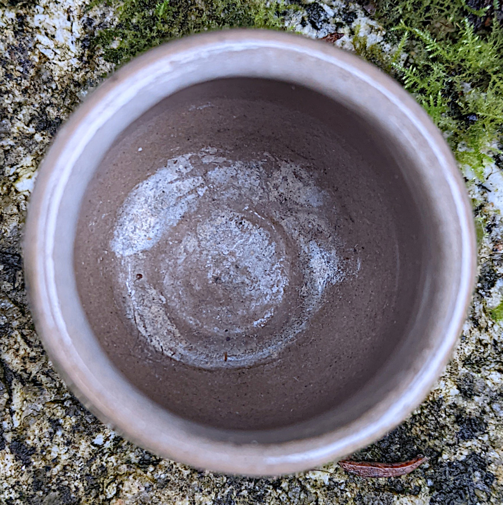 Small Stoneware Pot Pxl_2011