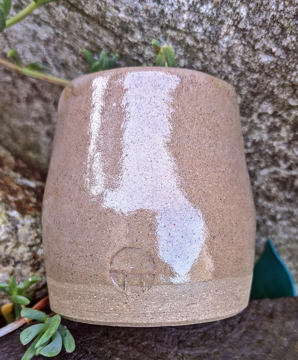 Small Stoneware Pot Pxl_2012