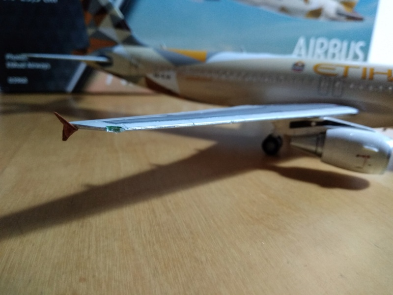 [REVELL] AIRBUS A-320 Cie ETIHAD AIRWAYS 1/144ème Réf 03968  - Page 2 A-320224
