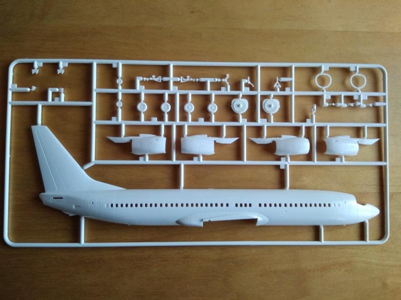 [REVELL] BOEING 737-800 Cie TUIfly 1/144ème Réf 04268 Ju_01510