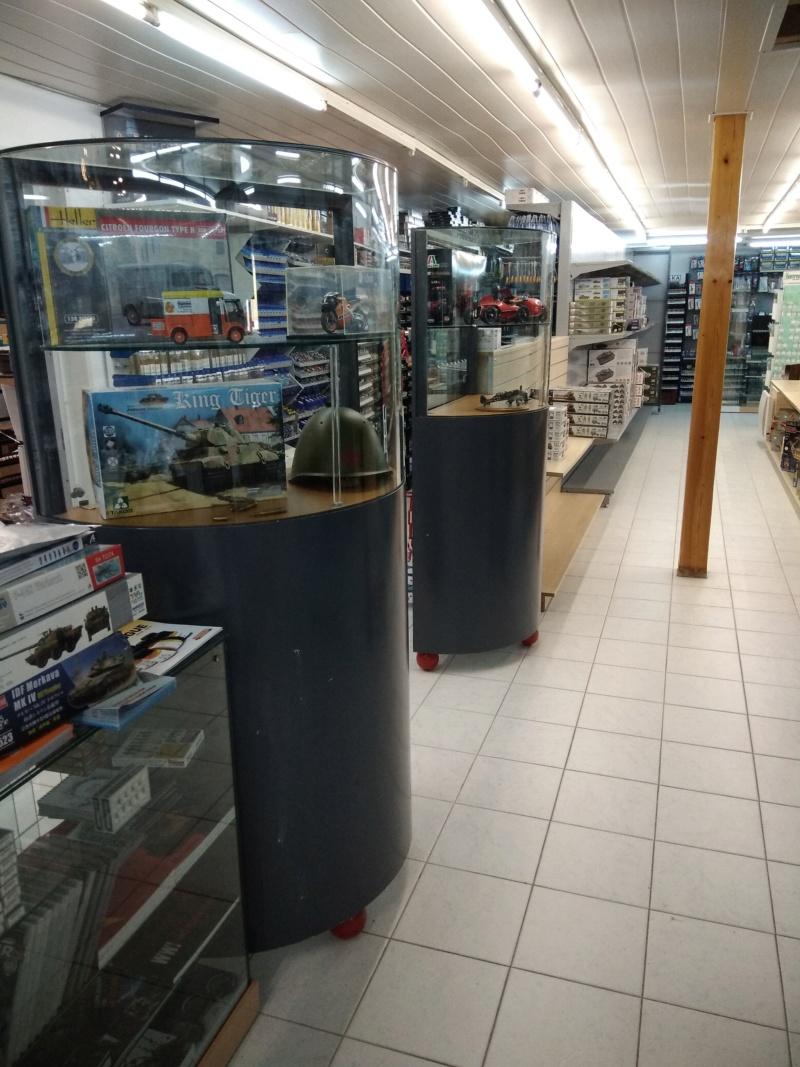 vos images des boutiques vendant du Heller  c'est ici  - Page 5 Ki_09810
