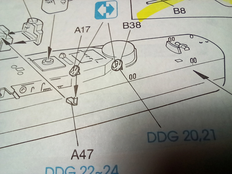 Montage chrono [SHANGHAÏ DRAGON] Destroyer lance missiles U.S.S COCHRANE 1/700ème Réf 7024 Uss_co41