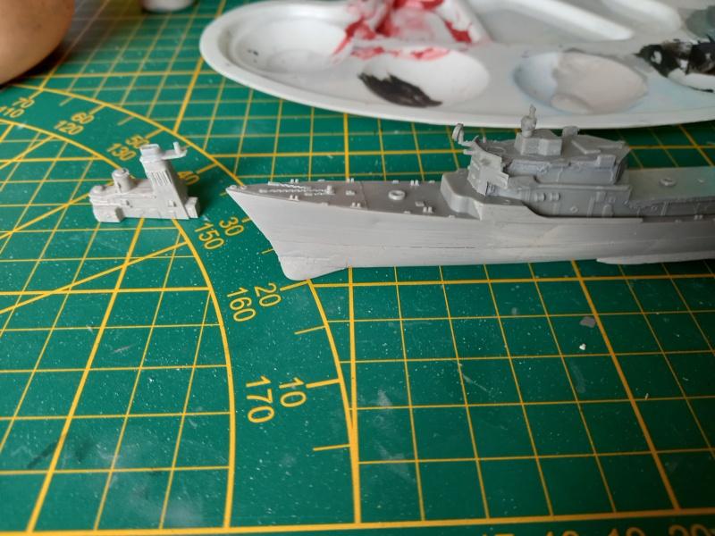 Montage chrono [SHANGHAÏ DRAGON] Destroyer lance missiles U.S.S COCHRANE 1/700ème Réf 7024 Uss_co51