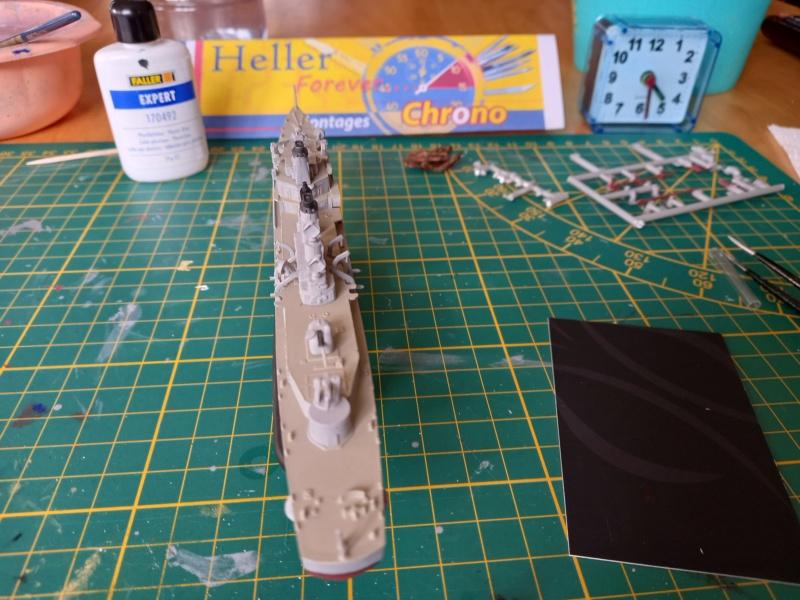 Montage chrono [SHANGHAÏ DRAGON] Destroyer lance missiles U.S.S COCHRANE 1/700ème Réf 7024 - Page 3 Uss_co71