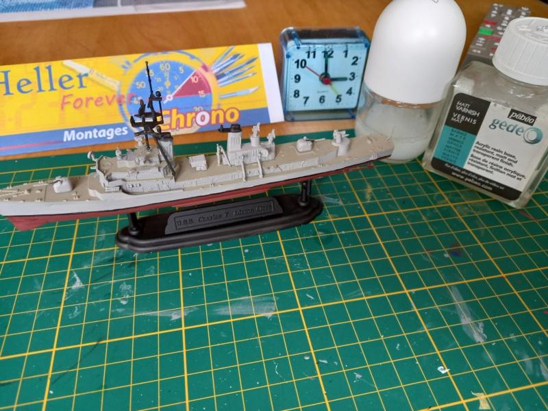 Montage chrono [SHANGHAÏ DRAGON] Destroyer lance missiles U.S.S COCHRANE 1/700ème Réf 7024 - Page 3 Uss_co76