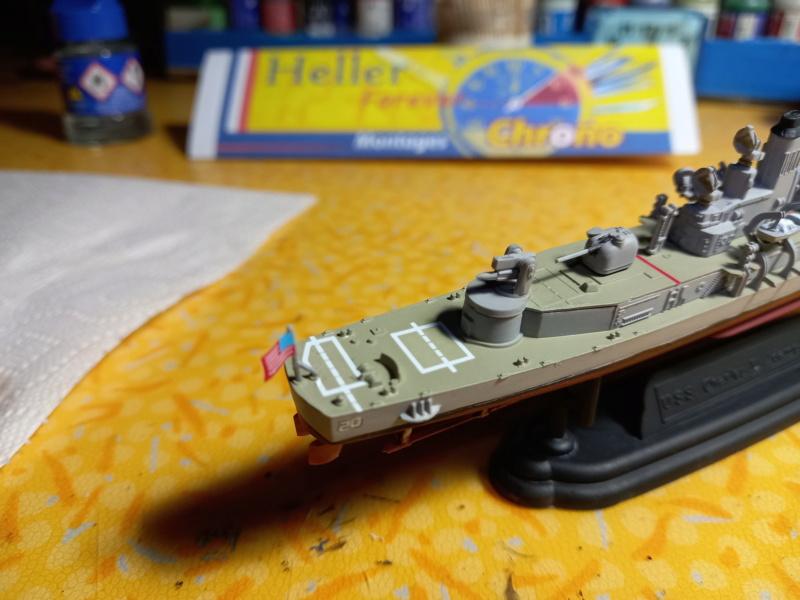 Montage chrono [SHANGHAÏ DRAGON] Destroyer lance missiles U.S.S COCHRANE 1/700ème Réf 7024 - Page 3 Uss_co93