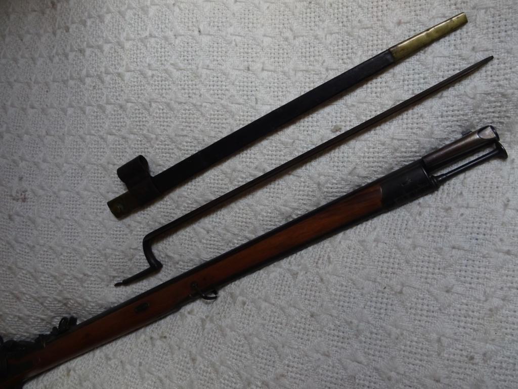 Baïonnette pour fusil ou carabine Fédérale Suisse Milbank ????? Milban16