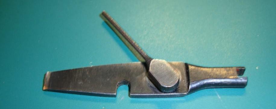 Un outil-accessoire pour revolver Suisse 1882 ??? Outil_14