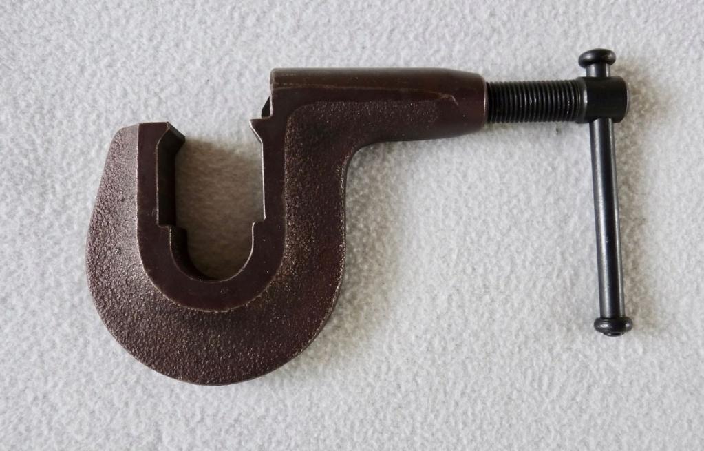 Pistolet SIG  P210  Outils de réglage du guidon ?? Pousse11