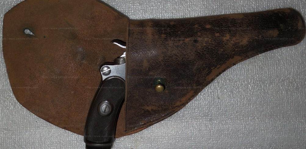Trois étuis pour le revolver Suisse 1882 ?? Zotui_12